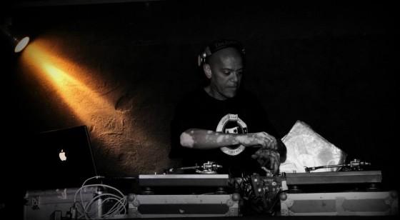 O Portal Virgula conversou com KL Jay, o maior DJ de rap do país
