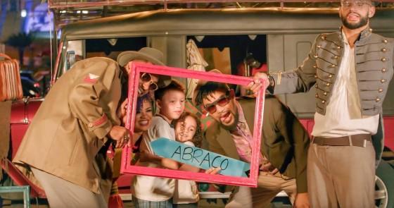 """Assista """"Abraço"""", o novo videoclipe do grupo Ao Cubo"""