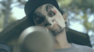 Foto frame do videoclipe Poesia de guerra
