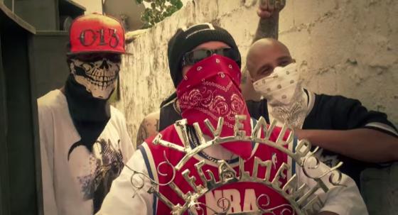 "Com Sistema Negro, Branco grava videoclipe ""Compton ou Long Beach"""