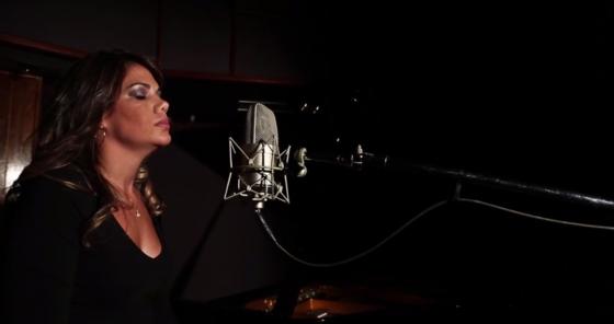 Atitude Feminina divulga teaser de videoclipe com Dina Di