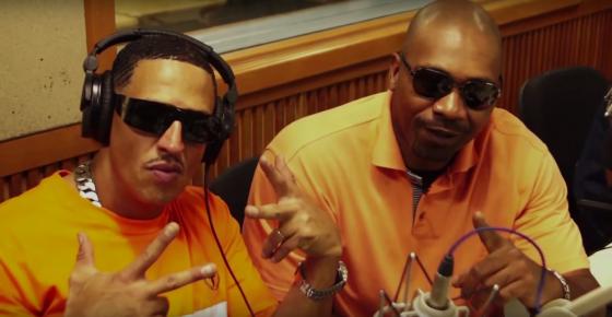 MV Bill entrevista Mano Brown para programas de rádio e TV. Assista aqui!