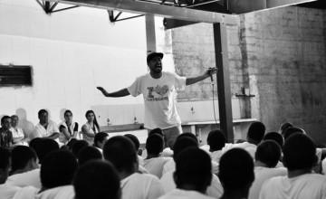Para resgatar essência do hip-hop, Renan Inquérito dá oficinas em Fundação CASA