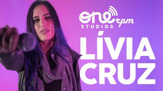 """Lívia Cruz apresenta versão inédita de """"Outono"""""""