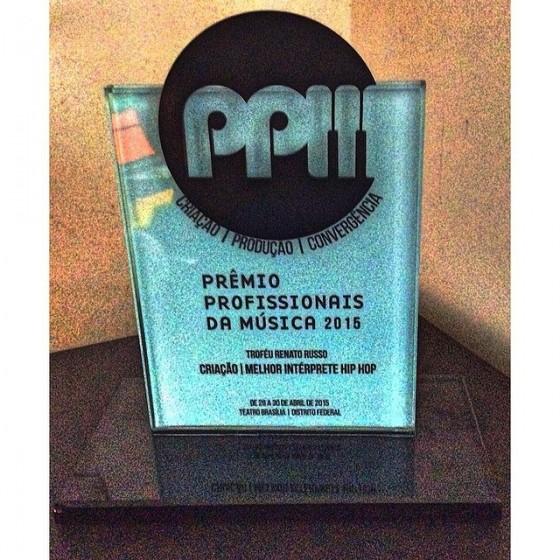 Viela 17 é o vencedor do Prêmio Profissionais da Música de 2015 | Categoria intérprete Hip Hop