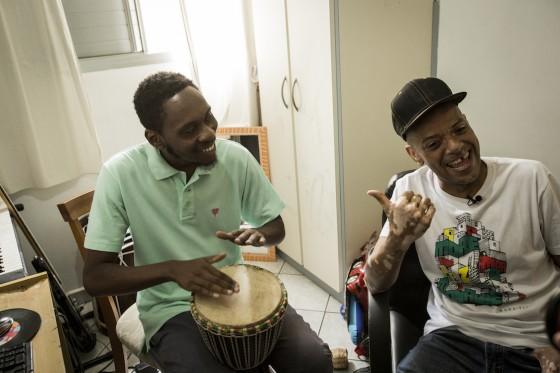 KL Jay entrevista Rincon Sapiência no Estamos Vivos #1. Assista aqui!