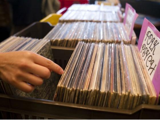 Feiras de Discos de São Paulo reúne apaixonados pelos LPs