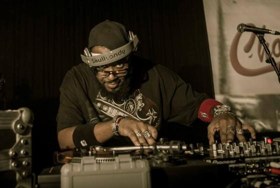 "DJ KING lança mixtape ""Projeto Doc Vol. 2"""