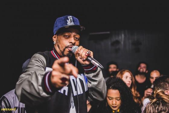 Comemorando 30 anos de carreira, rapper Thaíde lança livro na Bienal de São Paulo