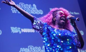 Nestlé lança videoclipe com Karol Conka e time de vôlei para ampliar interação com os jovens