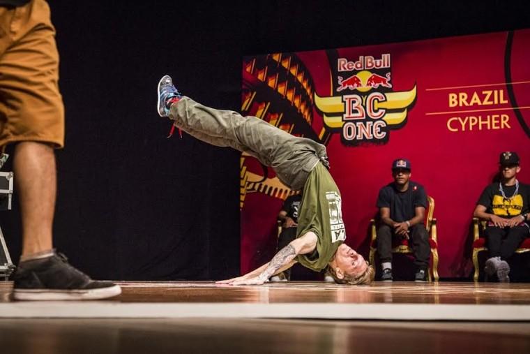 B-boy paulista vence competição nacional de breakdance pela segunda vez e representará o país no Peru