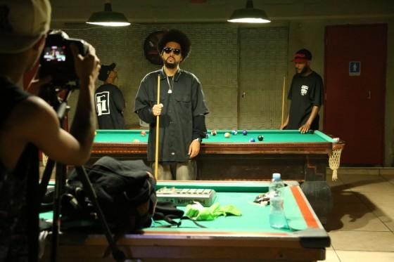 5pra1 lança videoclipe com participações de Kl Jay e Xis